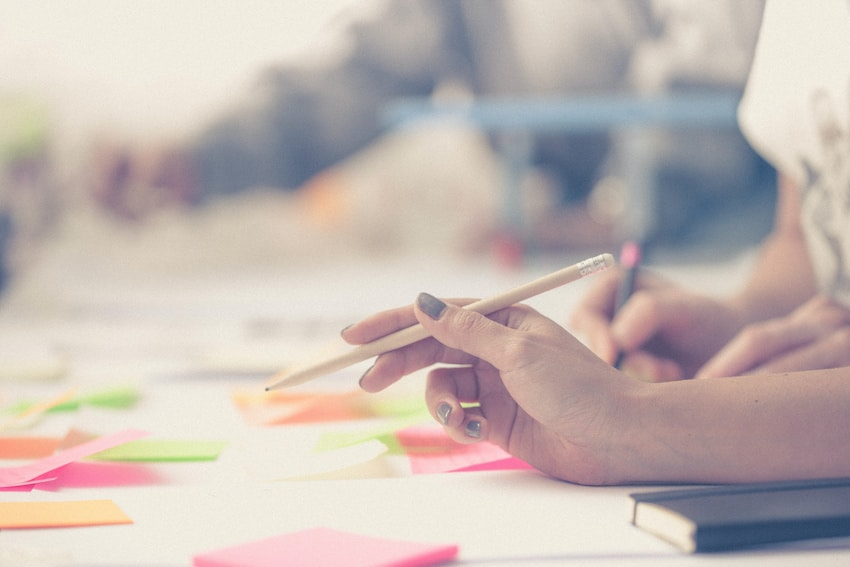 Mit Klebezettel schrittweise zum E-Learning-Entwurf
