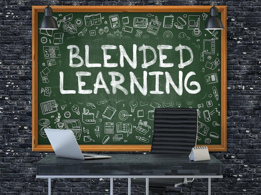 Kombination von Online- und Präsenzlernen